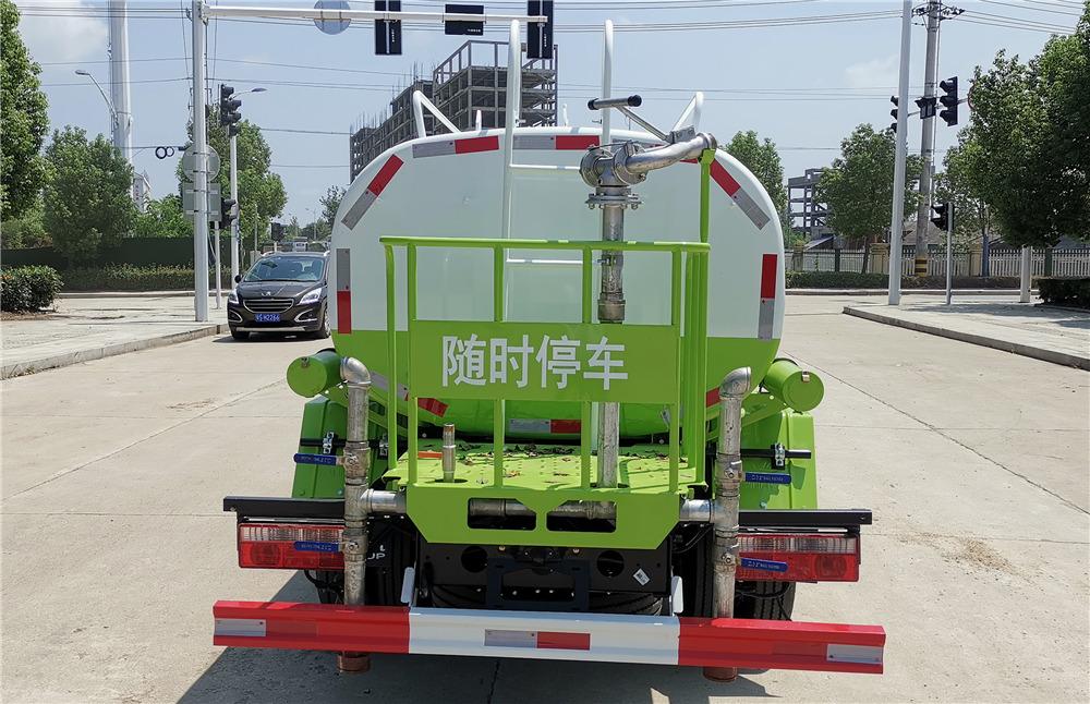 东风小福瑞卡5吨洒水车